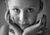 Ý nghĩa đằng sau tấm ảnh của cô bé ung thư