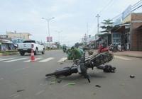 Xe máy chở rau gây tai nạn chết người