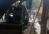 Điều tra vụ cháy xe máy cày đêm mùng 1 Tết