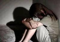 Hàng chục người vây bắt gã đàn ông dâm ô bé gái 5 tuổi