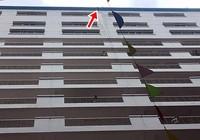 Mảng bê tông tầng 16 rơi làm sinh viên HUTECH tử vong