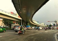 Sau điều chỉnh giao thông, Tân Sơn Nhất thoáng hơn