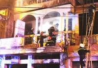 Clip: Nhân chứng kể lại đêm hỏa hoạn căn nhà 3 tầng