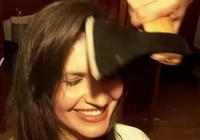 Clip: Cắt tóc bằng... rìu