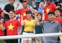 Những bóng hồng xinh đẹp tiếp lửa U20 Việt Nam