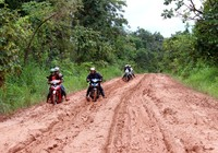 Mong mỏi của dân từ hơn 10 km đường sình lầy