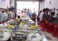 Video: Cơm từ thiện vừa sạch vừa an toàn
