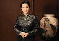 Chủ tịch Quốc hội Kim Ngân trong áo dài Võ Việt Chung