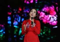 Ca sĩ 3 miền hát dưới tượng đài Mẹ Việt Nam anh hùng