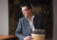Nghệ sĩ Trí Nguyễn diễn Lý Mười Thương theo điệu bolero