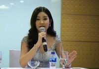 Tân hoa hậu tháo mũi: Nguyễn Thị Thành không tháo răng
