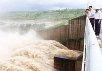 Lần đầu tiên, thủy điện Sông Ba Hạ xả lũ vào mùa khô