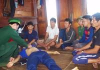 Đâm vào cây gỗ giữa biển, 6 ngư dân trên tàu cá bị chìm