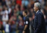 Thua Watford, Mourinho nói: 'Tôi không thể cải thiện trọng tài'