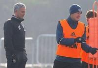 Mourinho cầu cứu 'kẻ thất sủng' Schweinsteiger ?