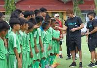 Cầu thủ Avispa Fukuoka giao lưu với U-13, U-15 Cần Thơ