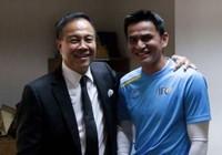 Kiatisak tặng quà cho Chủ tịch Somyot: Thông điệp gì?