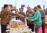 Tổng thống Widodo lệnh mỗi tỉnh 1 sân bóng chuẩn FIFA