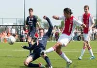 Các nhà làm luật cuống cuồng với tài năng Ajax