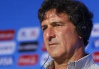 Huyền thoại Mario Kempes cũng từ bỏ Valencia