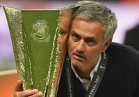 Mourinho muốn đổi chiếc cúp của MU lấy lại 22 sinh mạng