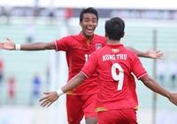 "Myanmar ""chơi tennis"", Singapore thắng trận danh dự"
