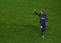 Lộ mức lương khó ngờ của Neymar