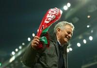 """Mourinho: """"Tôi khổ... cũng vì tôi thôi"""""""
