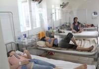 16 du khách nhập viện nghi do ngộ độc thực phẩm