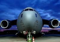Siêu máy bay cứu hộ C-17 tham gia hỗ trợ Nepal