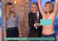 Lột trần kiểm tra ung thư vú khi truyền hình trực tiếp