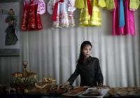 Triều Tiên: Phụ nữ kiếm nhiều tiền hơn đàn ông