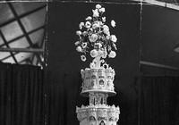 Bánh cưới của Nữ hoàng Anh sau 68 năm vẫn nguyên vẹn