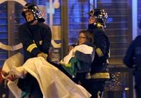 Bão táp khủng bố ở Pháp: ' Gần 160 người chết, đóng cửa Paris!'