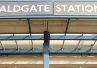 Ga tàu điện ngầm Luân Đôn sơ tán vì báo động an ninh