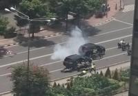 Video: Cảnh sát và khủng bố đấu súng giữa thủ đô Indonesia
