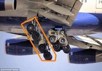 Bị hỏng hai bánh, máy bay vẫn hạ cánh an toàn