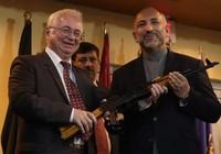 Nga gửi Afghanistan 10.000 khẩu AK-47 'làm quà'
