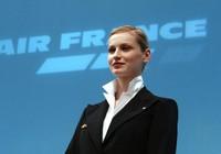 Hãng máy bay Pháp buộc nữ tiếp viên mang khăn trùm Hồi giáo