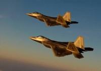 F-22 của Mỹ đối mặt nguy hiểm với Su-24 tại Syria