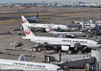 Siêu bão đổ bộ Nhật Bản, hàng trăm chuyến bay bị hoãn