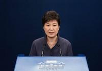 Tổng thống Hàn Quốc bị kiểm soát cả diễn văn, quần áo?