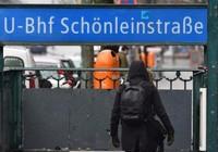 Người vô gia cư bị thiêu ở ga Berlin, may mắn sống sót