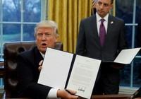 Tổng thống Trump ký bản ghi nhớ rút khỏi TPP