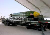 Mỹ thả siêu bom 10 tấn xuống Afghanistan