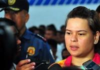 Quê nhà Tổng thống Duterte gỡ bỏ lệnh phong tỏa