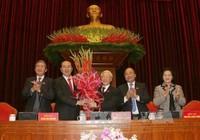 Đại biểu chúc mừng ông Nguyễn Phú Trọng tái đắc cử chức Tổng Bí thư