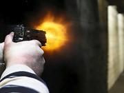 Nhóm thanh niên đi xế hộp xông vào nhà bắn chết một phụ nữ