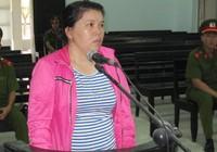 Đi tù vì vào sân trường 'bẻ giúp cổ áo' cho học sinh
