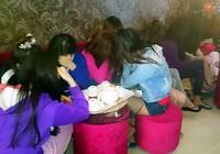 Phá hai cơ sở massage kích dục ở Biên Hòa